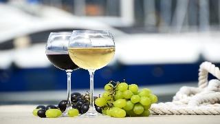 https://winecruisegroup.com/wp-content/uploads/2013/09/wine-cruises-glasses.jpg